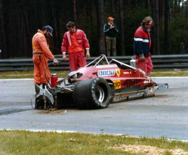Situação do carro de Gilles Villeneuve após o acidente no qual o cinto se desprendeu do cockpit - by autoandrive.com.br