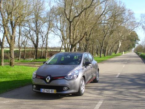 O Clio TCe a gasolina é mais barato cerca de 3.500 euros