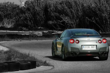 O Nissan GT-R apenas está disponível novo na versão MY'13 e custa menos de 132 mil euros