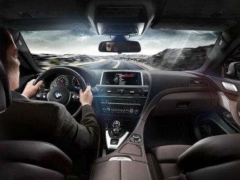 O interior do M6 Gran Coupé é envolvente e respira elevada qualidade
