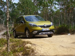 Renault Scénic XMOD 1.5 dCi 110 Sport (Foto: Pinhal da Serra d'E Rei)