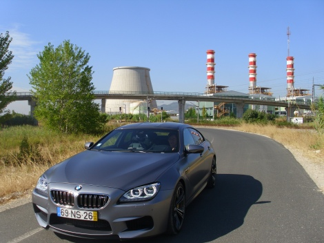 Apesar de ter mais de cinco metros o M6 Gran Coupé é um portento em equilíbrio