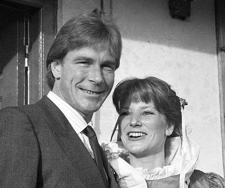 James Hunt casou-se a 17 de Dezembro de 1983 com Sarah Lomax
