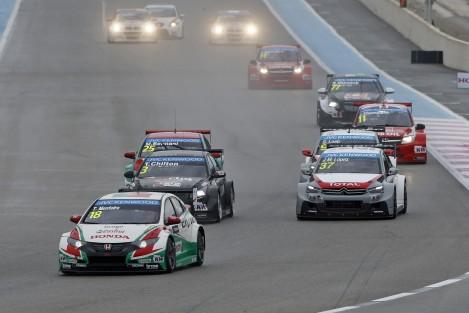 Tiago Monteiro liderou a segunda corrida e terminou no pódio