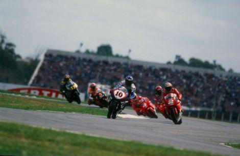 GP da Argentina de 1999: Kenny Roberts na frente a caminho da sua vitória