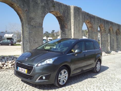 Peugeot 5008 1.6 HDi 115 cv Allure 7 lug. (Fotos: Óbidos e Praya d'El Rey)