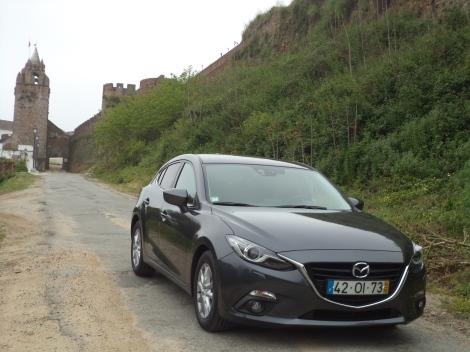 O Mazda 3 é um cordeiro com pele de lobo apesar de ser agradável de conduzir