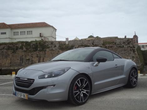 O preço do Peugeot RCZ R é de 44.580 euros