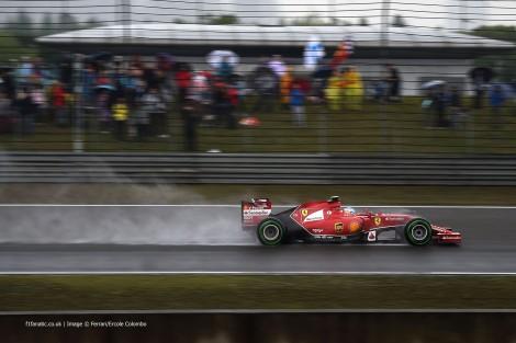O único Ferrari que passou para a última fase dos treinos foi o de Alonso