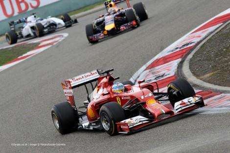 Fernando Alonso deu o primeiro pódio do ano à Ferrari