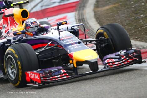 Daniel Ricciardo voltou a ser melhor que Sebastian Vettel
