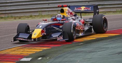 Carlos Sainz Jr. dominou a primeira corrida de Aragón