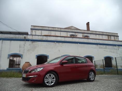 O Peugeot 308 HDi de 92 cv  custa 24.400 euros na versão Active
