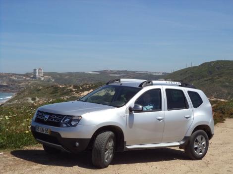 Dacia Duster 1.5 dCi 110 FAP 4x4 Prestige (Fotos: Miradouro da Praia de Santa Rita e Lagoa Azul, Sintra)