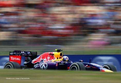 Daniel Ricciardo, finalmente no pódio, foi o melhor dos... outros