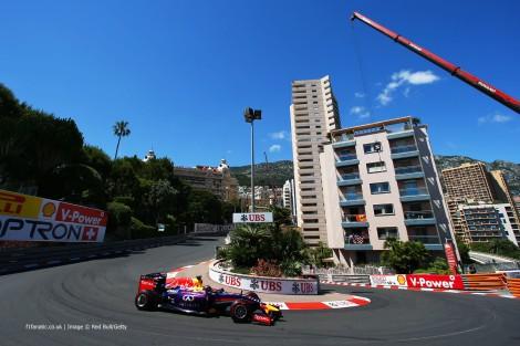 Sebastian Vettel voltou a ser batido pelo seu colega de equipa