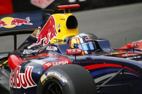 Carlos Sainz Jr. dominou a primeira corrida em Spa