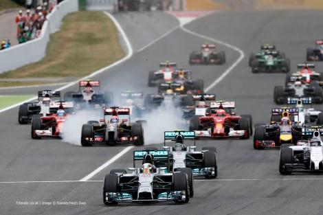 Lewis Hamilton assumiu o comando na partida e nunca mais  largou