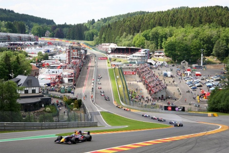 Carlos Sainz Jr. mostrou-se imbatível em Spa