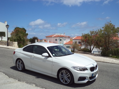 O BMW 220d Coupé é para já a única versão Diesel no nosso mercado