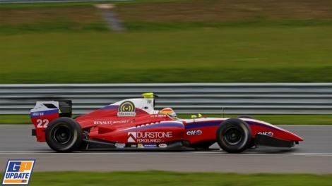 Roberto Merhi ganhou no Moscow Raceway