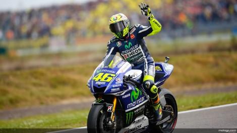 Valentino Rossi vai continuar na Yamaha por mais dois anos