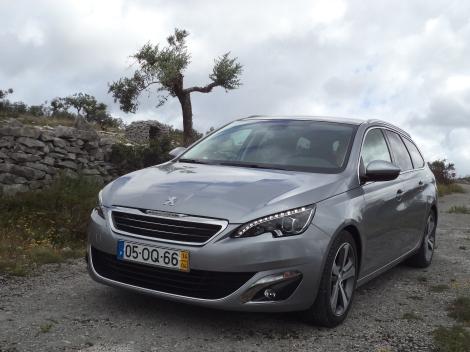 A Peugeot 308 SW 1.6 e-HDI 115 cv Allure custa 29.425 euros