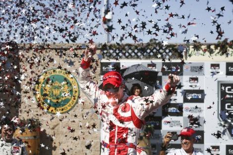 Scott Dixon festeja a vitória em Sonoma
