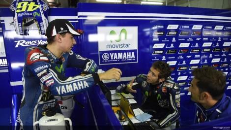 Valentino Rossi saiu do hospital ainda ontem e voltou a Aragón
