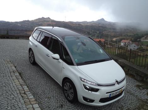 Citroën Grand C4 Picasso  2.0 BlueHDi 150 cv Exclusive 1718 Aut. (Fotos: Bezerreira, Caramulo e Casa da Portela, Aldeia do Teixo)