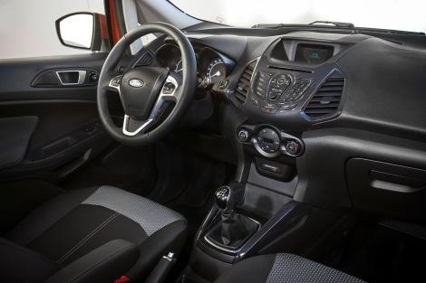 O interior do EcoSport replica os do Fiesta e do B-MAX