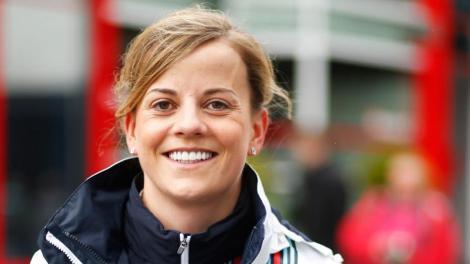 Susie Wollf vai continuar como piloto de reserva da Williams em 2015