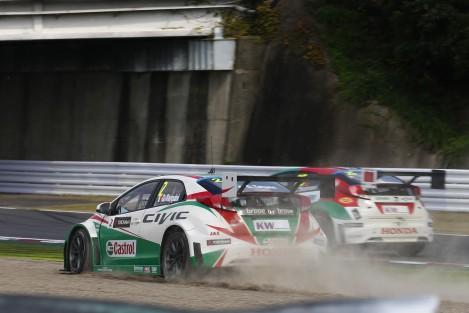 Gabriele Tarquini deu à equipa oficial da Honda a primeira vitória do ano