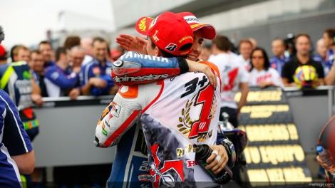 Lorenzo venceu a prova e felicita Márquez pelo seu segundo títilo de Campeão