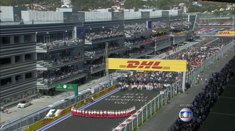 Todas as equipas se reuniram na reta da meta para homenagear Bianchi