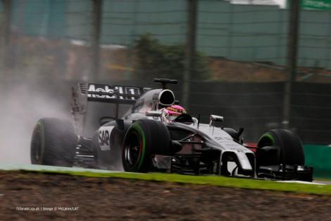 Jenson Button levou o McLaren ao 5º lugar