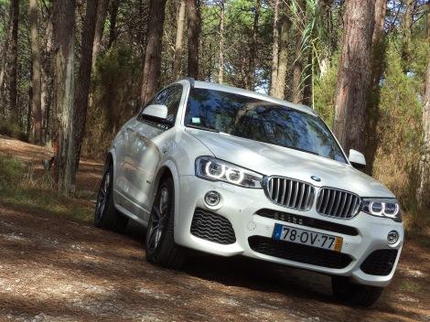 O BMW X4 35i tem um motor 3.0 a gasolina de 306 cv