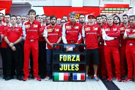 A homenagem da Ferrari ao seu Jovem Piloto
