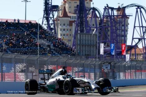 A nona vitória deste ano de Lewis Hamilton foi no 1º GP da Rússia