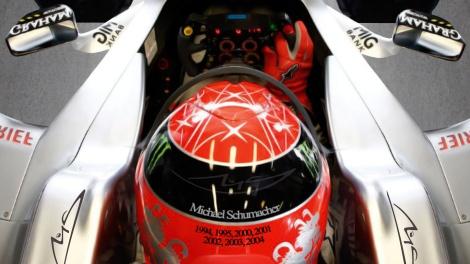 Uma longa e difícil estrada espera ainda Michael Schumacher