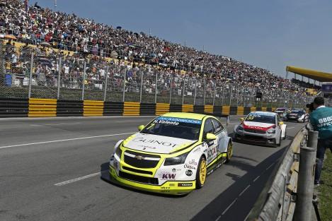 """Hugo Valente fez a """"pole"""" e foi ao pódio na segunda corrida"""