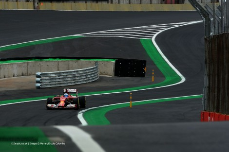 Alonso bateu num intenso duelo o seu colega de equipa Raikkonen e foi 6º