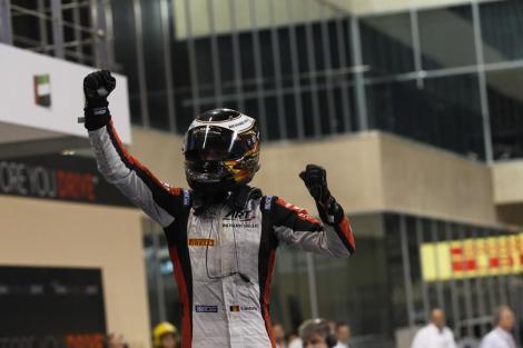 Stoffel Vandoorne venceu a corrida Feature no Abu Dhabi