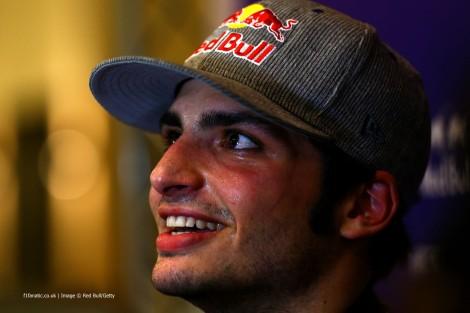 Carlos Sainz Jr. foi confirmado na Toro Rosso para 2015