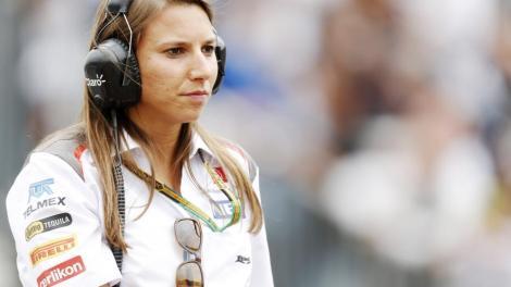 Simona de Silvestro quer regressar à IndyCar em 2015