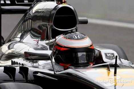 O segundo dia do McLaren/Honda em pista voltou a ser problemático