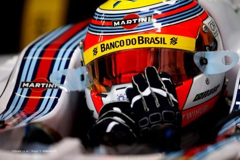 A Sauber confirmou Felipe Nasr para 2015
