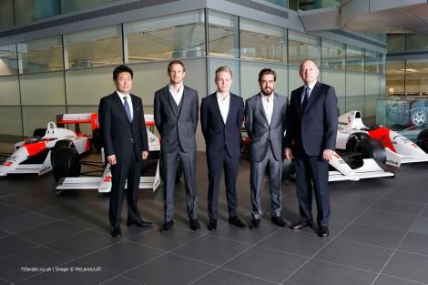 Button foi confirmado como o colega de Alonso na McLaren em 2015