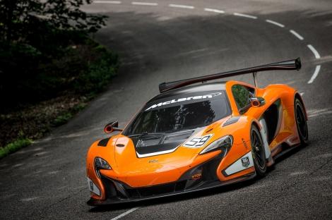 O McLaren 650S GT3 vai estrear-se nas 12 Horas do Golfo com Parente ao volante