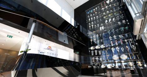 Mais de 60 troféus foram roubados da sede da Red Bull Racing